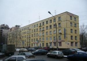 """Фотография одного из домов серии """"ГИ"""", расположенного на окраине Петербурга"""