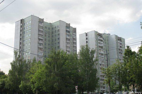 П-42: информация о серии домов, типовые планировки квартир.