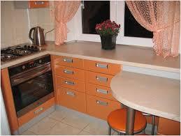 Кухня типовых домов: пути ее увеличения