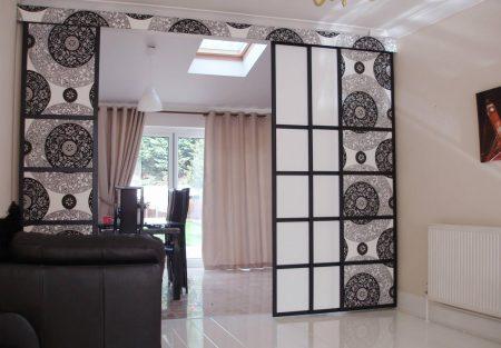 Декоративные пластиковые перегородки в интерьере квартиры