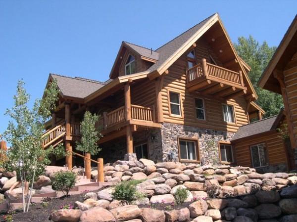 Дом из бревна, преимущества