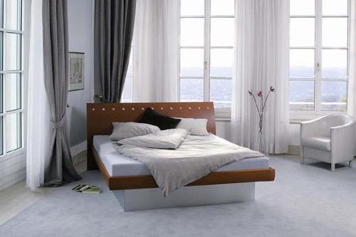 Достоинства и недостатки водяных кроватей