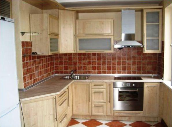 Кухонный гарнитур: дерево, металл, стекло, ДСП и МДФ