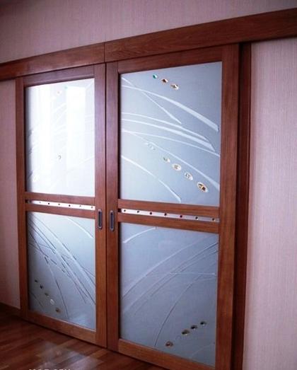 Материалы для изготовления раздвижных дверей