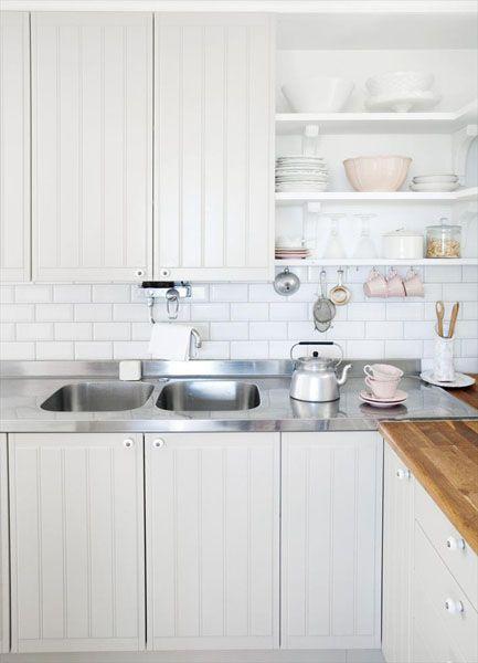 Перепланировка и ремонт маленькой кухни
