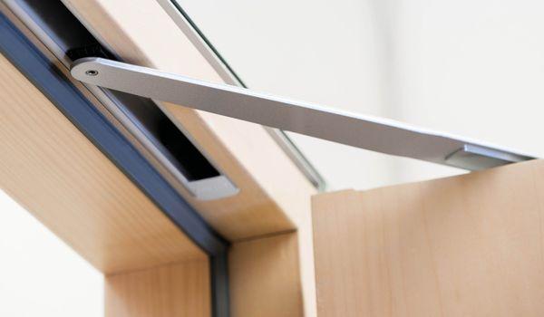 Как правильно выбрать дверной доводчик?
