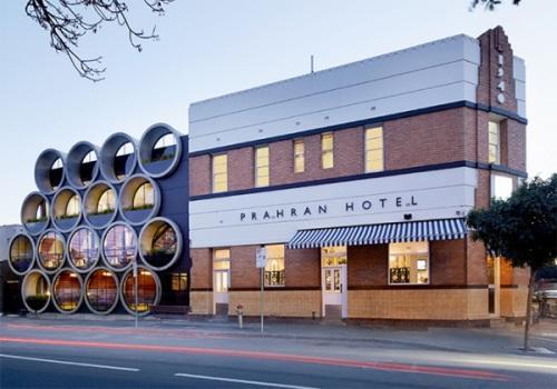 Креативный паб с бетонными трубами Prahran Hotel