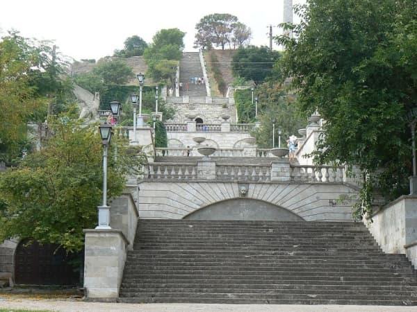 Кто будет восстанавливать обрушившуюся Митридатскую лестницу в Крыму