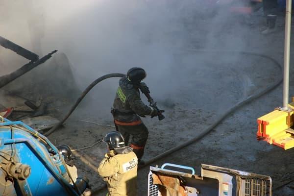 Пожар в Татарстане едва не сгубил троих рабочих