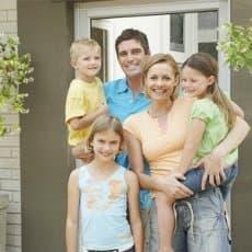 Президент РФ подписал закон о выделении 450 тыс. рублей для погашения ипотеки многодетным семьям