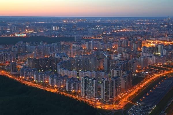 Санкт-Петербург стал любимым городом москвичей и уральцев
