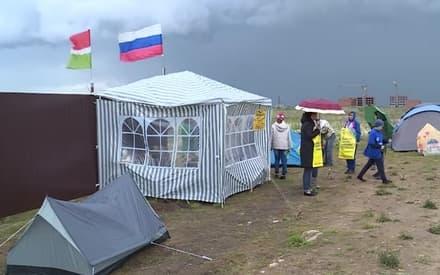 Под Казанью дольщики начали жить в палатках у недостроенных домов