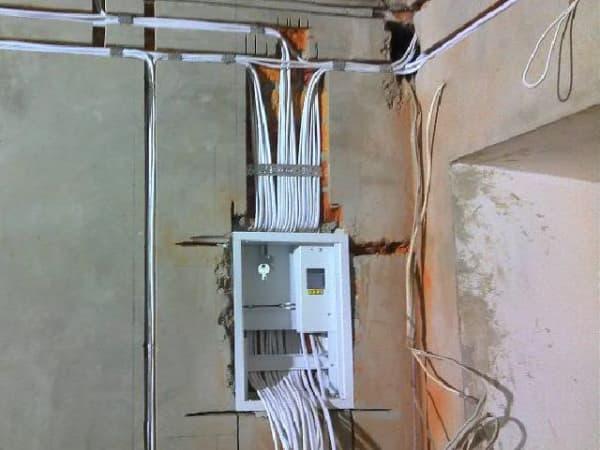 Плановая замена электрики дошла до Юго-Запада Москвы