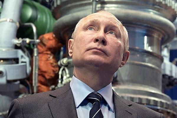 Путин пообещал решить жилищный вопрос молодых ученых