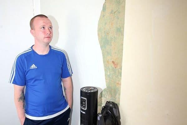 Мужчина лишился жилья из-за ошибки при установке бассейна
