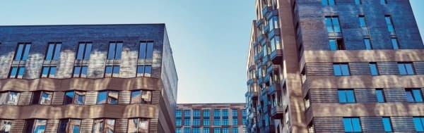 По программе реновации построят жилой дом с двухцветным фасадом по на севере Москвы