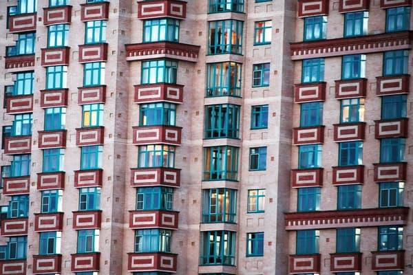 Неизвестные богачи скупили вМоскве жилье намиллиард долларов