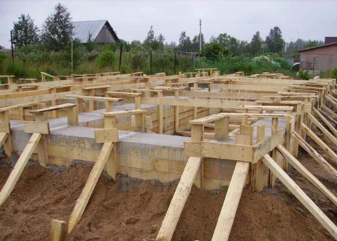 Строительство частного дома своими руками: основные этапы
