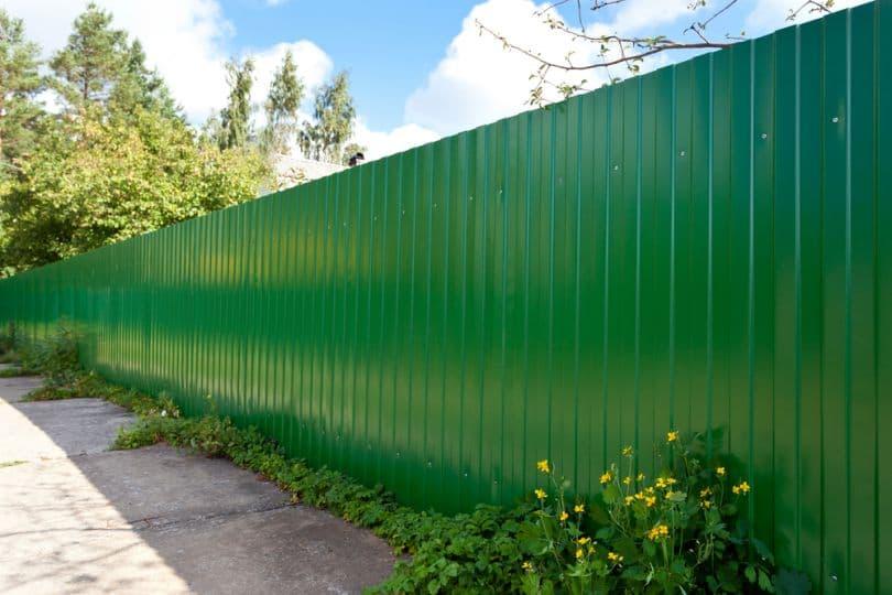 Строительство заборов для загородного дома – превосходство высоких технологий
