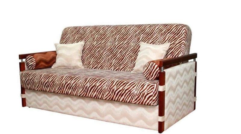 Как правильно выбрать диван для дачи?