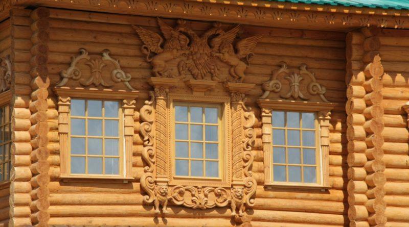 Украшение деревянных домов резьбой
