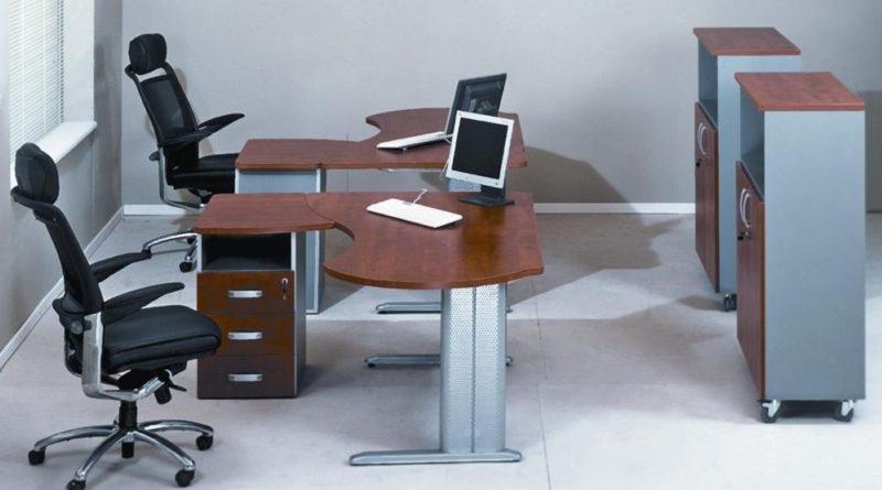 Как выбрать подходящий офисный стол?