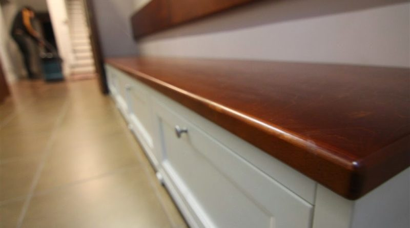 Особенности выбора материалов и фурнитуры при изготовлении мебели