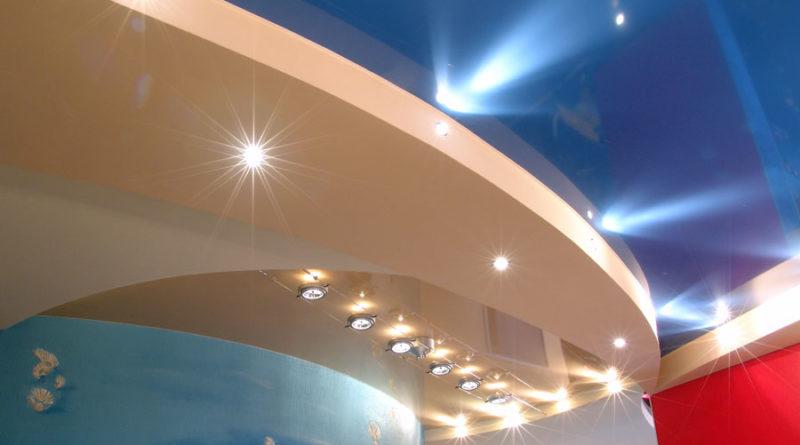 Преимущества натяжных потолков