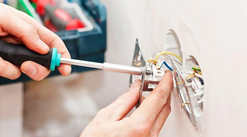 Установка, ремонт и замена розеток