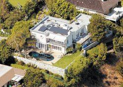 Агилера продала особняк, предоставив скидку в три с лишним миллиона долларов