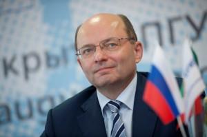 Александр Мишарин окажет помощь в покупке квартир областным министрам
