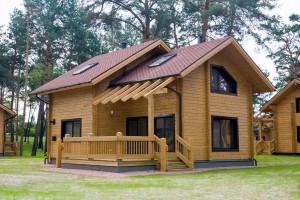 Использование клееного бруса в строительстве домов