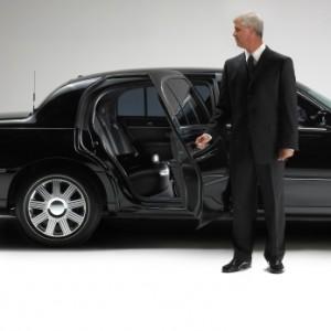 Как арендовать машину с водителем?