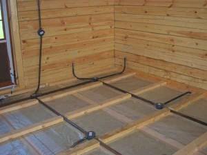 Как правильно сделать электромонтаж в деревянном доме