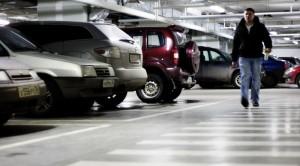 Московские власти решили, что паркинг важнее торгового центра