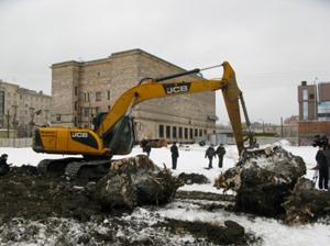 На Фарфоровском кладбище до среды продлится проверка строительства