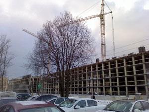 На территории академии Буденного строят многоэтажку