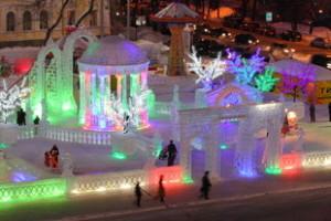 На возведение городка в Екатеринбурге потребуется 800 кубометров льда