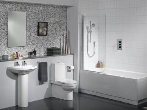 Правильно установить экран в ванной