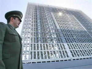Программа обеспечения жильем военнослужащих опять на грани фола