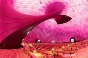 Самый безопасный концертный зал в мире — надувной