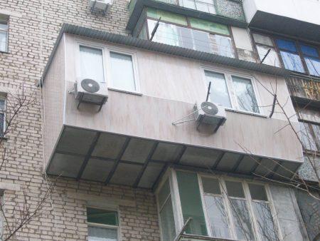 Кирпичный дом с лоджиями