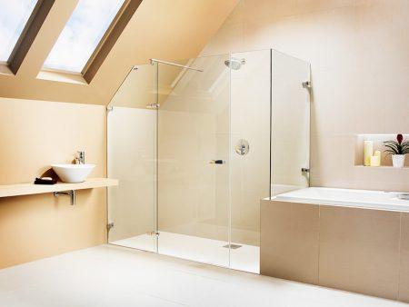 Ванная комната с пластиковой перегородкой