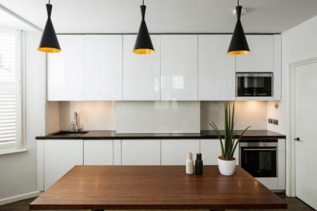 Небольшая кухня в минималистичном дизайне