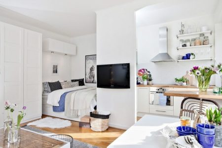 Квартира-студия в белых тонах