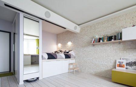 Спальное место навысоком подиуме