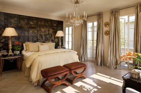 Спальня в английском стиле с восточными мотивами