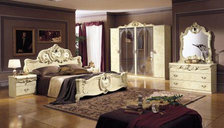 Барокко в интерьере спальни