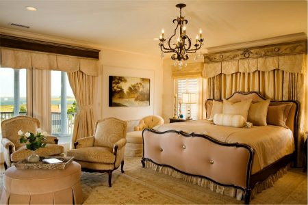 Классический стиль спальни в бежевых тонах