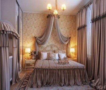Спальня в классическом стиле с балдахином